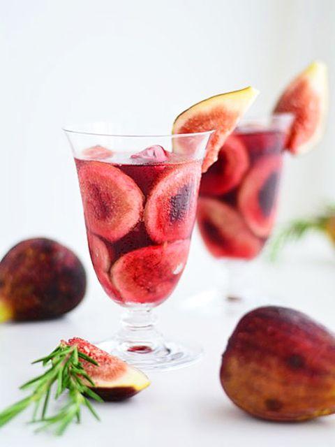 Produce, Drinkware, Glass, Food, Serveware, Tableware, Ingredient, Stemware, Drink, Natural foods,