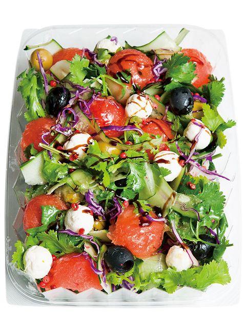 Food, Salad, Cuisine, Ingredient, Leaf vegetable, Vegetable, Produce, Garden salad, Garnish, Recipe,