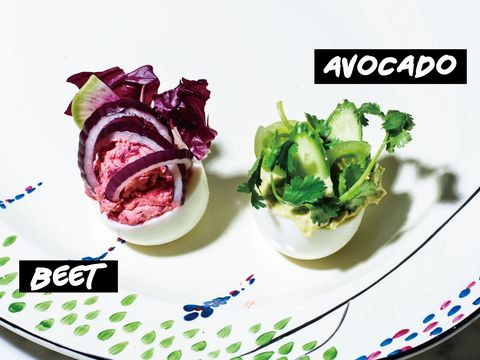 Food, Dishware, Ingredient, Leaf vegetable, Serveware, Produce, Vegetable, Plate, Garnish, Red onion,