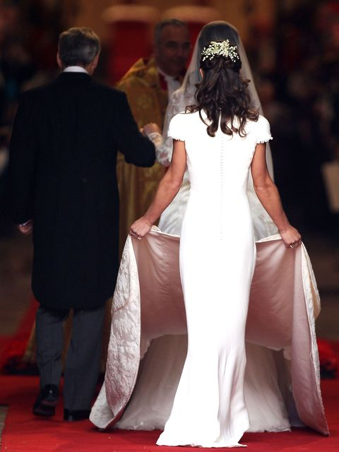 Red carpet, Dress, Gown, Carpet, Clothing, Fashion, Premiere, Event, Flooring, Wedding dress,