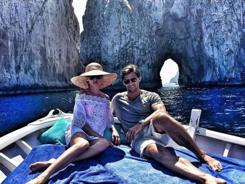 Human, Hat, Tourism, Sunglasses, Leisure, Summer, Sitting, Sun hat, Rock, Vacation,