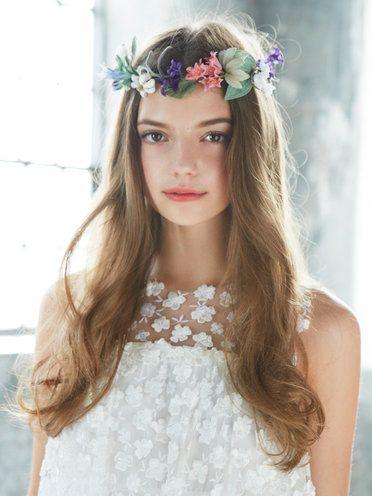 Hair, Headpiece, Hair accessory, Clothing, Hairstyle, Crown, Fashion accessory, Forehead, Head, Beauty,