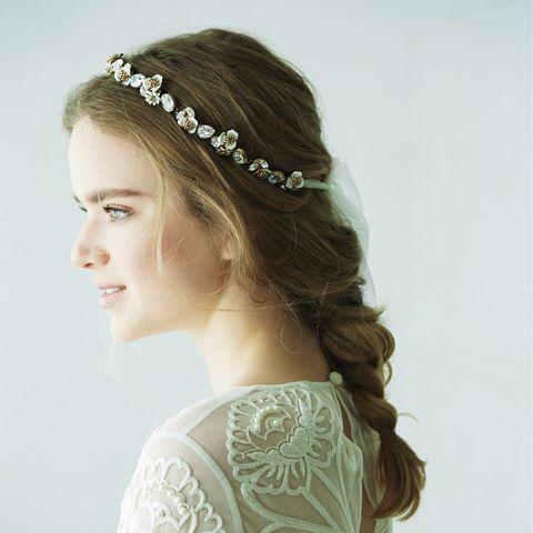 Hair, Headpiece, Hair accessory, Clothing, Hairstyle, Bridal accessory, Fashion accessory, Head, Forehead, Headgear,