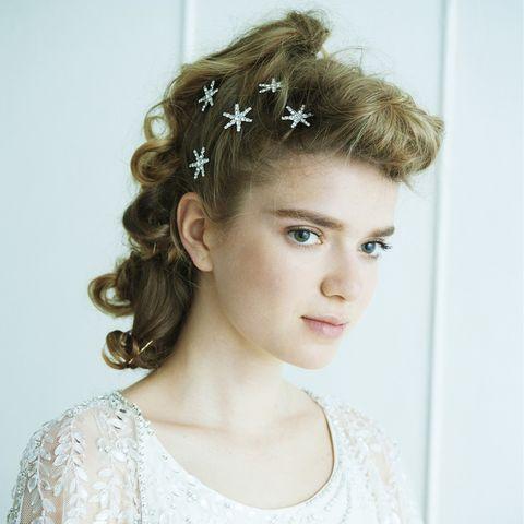Clothing, Head, Ear, Hairstyle, Chin, Forehead, Eyebrow, Hair accessory, Style, Headpiece,