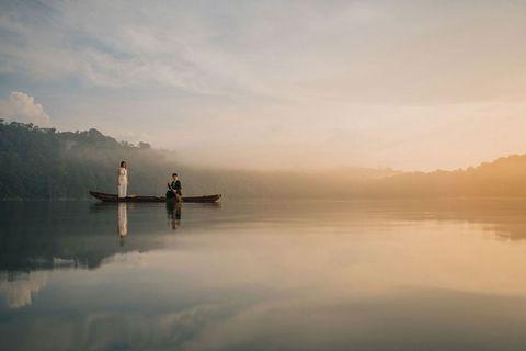 Sky, Nature, Atmospheric phenomenon, Reflection, Calm, Water, Cloud, Morning, Lake, Sea,