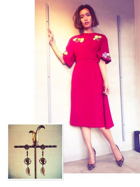 Sleeve, Shoulder, Dress, Joint, Cross, One-piece garment, Symbol, Magenta, Pattern, Day dress,