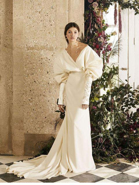 81401614f2118 おしゃれ花嫁が今、絶対に知っておくべき海外ドレスブランド39