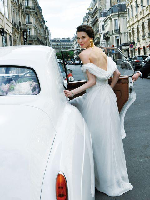 White, Motor vehicle, Photograph, Dress, Gown, Classic, Bride, Vehicle, Wedding dress, Car,