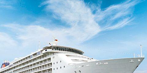 Mode of transport, Passenger ship, Liquid, Cruise ship, Photograph, Ocean, Fluid, Horizon, Naval architecture, Boat,