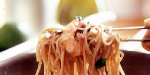 Food, Soup, Ingredient, Noodle, Cuisine, Al dente, Chinese noodles, Recipe, Dish, Yi mein,