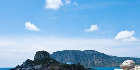 Coastal and oceanic landforms, Sky, Rock, Water, Natural landscape, Promontory, Bedrock, Coast, Island, Ocean,