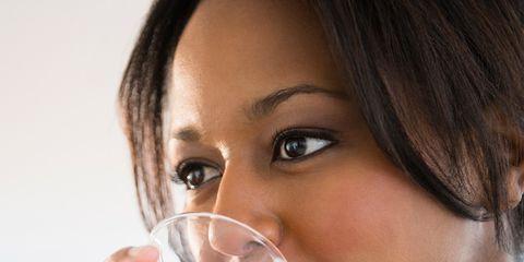 Lip, Liquid, Fluid, Drink, Eyebrow, Eyelash, Drinking, Neck, Beauty, Sea breeze,