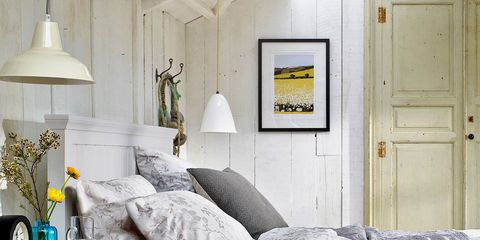 Wood, Room, Interior design, Property, Wall, Textile, Home, Lamp, White, Furniture,