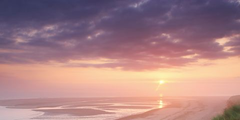 Body of water, Coastal and oceanic landforms, Shore, Coast, Sunset, Sunrise, Horizon, Sand, Dusk, Ocean,