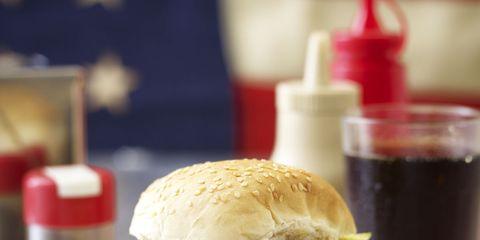 Food, Finger food, Cuisine, Sandwich, Serveware, Ingredient, Leaf vegetable, Tableware, Meal, Dishware,