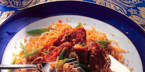 Food, Cuisine, Ingredient, Dishware, Tableware, Noodle, Spaghetti, Dish, Plate, Recipe,