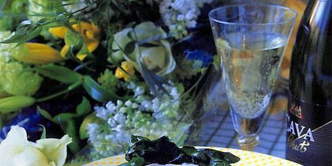 Serveware, Dishware, Tableware, Glass, Drinkware, Food, Barware, Plate, Drink, Cuisine,