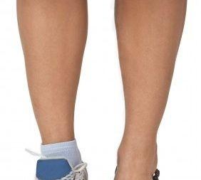 Human leg, Joint, Toe, Style, Muscle, Organ, Fashion, Foot, Black, Grey,