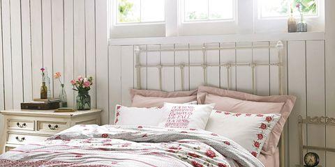 Bed, Room, Interior design, Bedding, Bed sheet, Floor, Textile, Bedroom, Wall, Furniture,