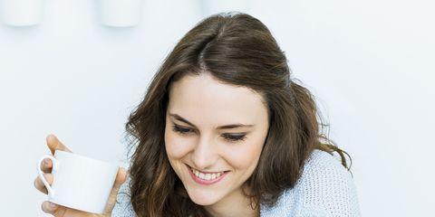 Happy, Beauty, Eyelash, Long hair, Tooth, Sweater, Laptop, Computer, Nail, Layered hair,