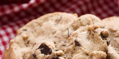 Food, Finger food, Cuisine, Cookies and crackers, Biscuit, Chocolate chip cookie, Baked goods, Cookie, Dessert, Ingredient,