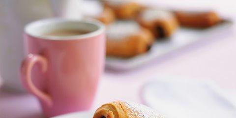 Coffee cup, Serveware, Cup, Food, Dishware, Finger food, Cuisine, Baked goods, Drinkware, Ingredient,