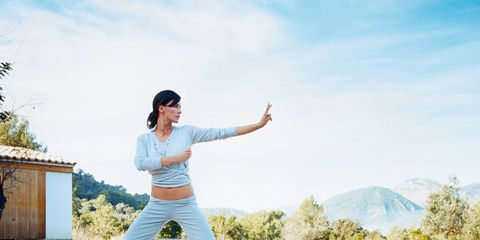 Leisure, People in nature, Active pants, Reflection, Knee, Waist, Balance, sweatpant, Ankle, Physical fitness,