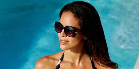 Clothing, Eyewear, Vision care, Hairstyle, Shoulder, Sunglasses, Goggles, Aqua, Leisure, Summer,