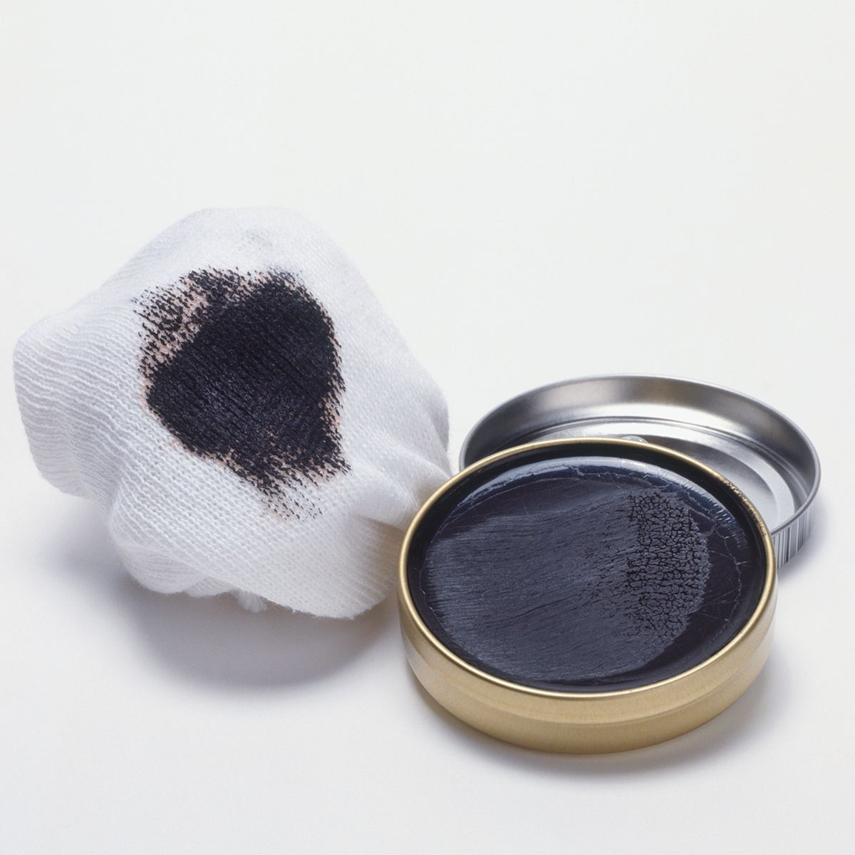 Shoe Polish Stain Removal How To Remove Shoe Polish Stains