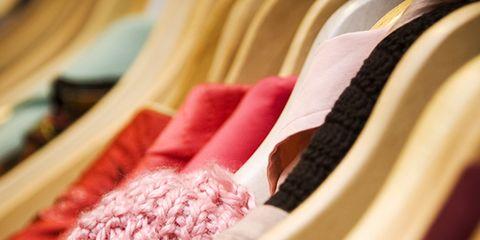 Textile, Carmine, Photography, Maroon, Close-up, Peach, Creative arts, Thread, Weaving, Woven fabric,