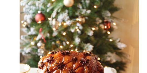 Serveware, Ingredient, Cuisine, Christmas decoration, Recipe, Interior design, Dish, Dishware, Plate, Holiday,
