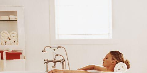 Plumbing fixture, Room, Tap, Bathtub, Fluid, Bathtub accessory, Interior design, Bathroom accessory, Plumbing, Bathroom,