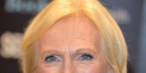 Hair, Lip, Cheek, Hairstyle, Eye, Chin, Forehead, Eyebrow, Facial expression, Iris,
