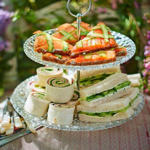 cuisine, sweetness, dessert, dish, serveware, finger food, baked goods, lavender, garnish, dishware,