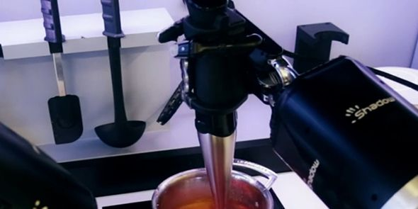 Video Robot Hands Can Cook Your Meals For You Moley Robotics Kitchen