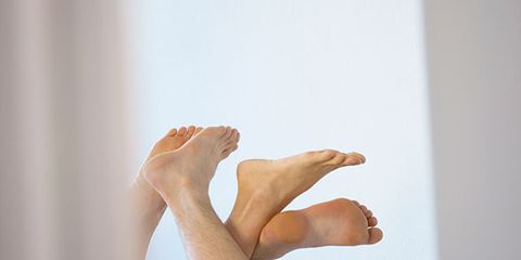 Human leg, Toe, Comfort, Joint, Elbow, Barefoot, Knee, Foot, Ankle, Calf,