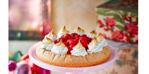 Sweetness, Food, Cuisine, Ingredient, Dessert, Serveware, Baked goods, Finger food, Strawberries, Dish,