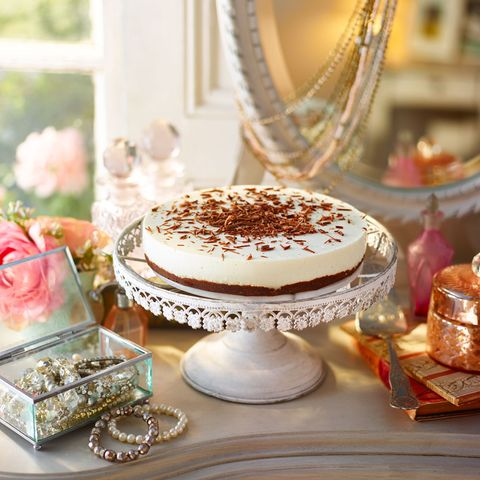 Serveware, Cuisine, Sweetness, Food, Ingredient, Dessert, Baked goods, Cake, Dishware, Dish,
