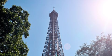There Is A Secret Flat At The Top Of The Eiffel Tower