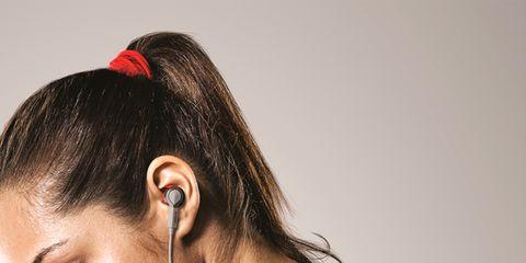 Audio equipment, Sleeveless shirt, Earrings, Eyelash, Hair accessory, Gadget, Active tank, Audio accessory, Hearing, Headset,