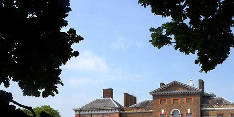 Window, Property, Building, Shrub, Manor house, House, Hedge, Mansion, Villa, Garden,