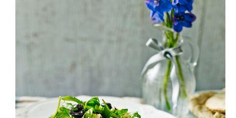 Salad, Cuisine, Food, Leaf vegetable, Dishware, Vegetable, Garden salad, Dish, Tableware, Ingredient,