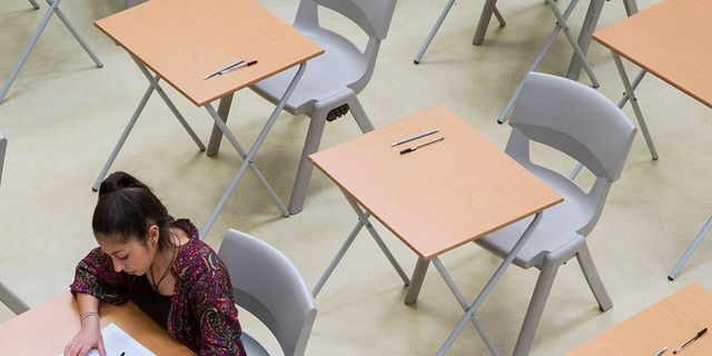 Parents Are Spending Over 100 In Rewards For Their Children S Gcse Results