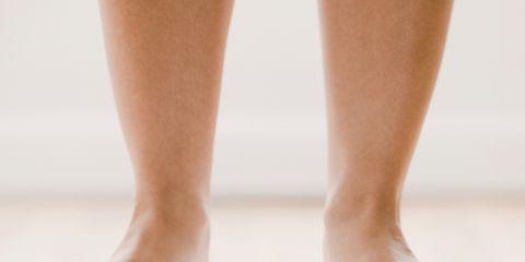 Leg, Toe, Skin, Human leg, Joint, Barefoot, Foot, Organ, Tan, Nail,