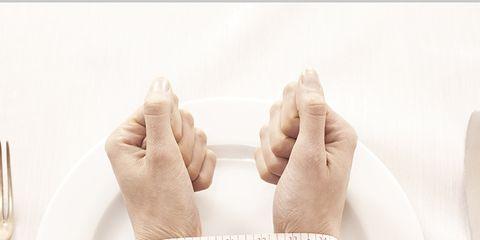 Finger, Skin, Wrist, Dishware, Nail, Cutlery, Pattern, Kitchen utensil, Fork, Beige,