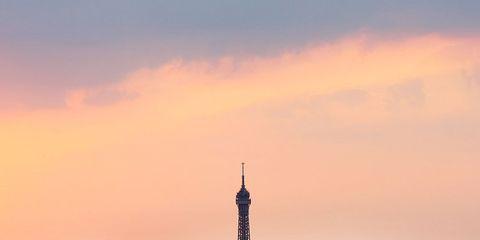 Metropolitan area, Tower, Tower block, Urban area, City, Metropolis, Cityscape, Residential area, Dusk, Atmosphere,