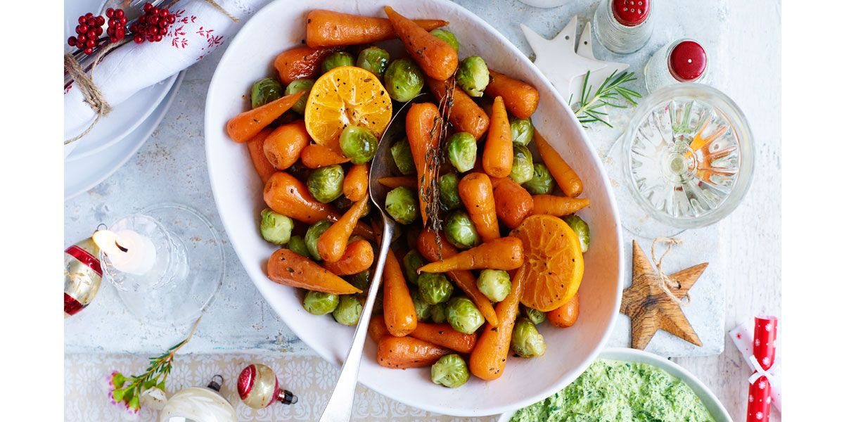 Parcel-baked sprouts and carrots
