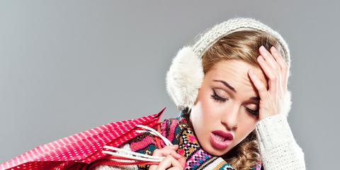 Sleeve, Textile, Hand, Winter, Fashion, Costume accessory, Fur clothing, Hair accessory, Street fashion, Eyelash,
