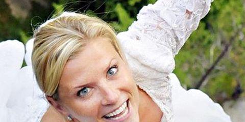Human, Happy, Beauty, Dress, Eyelash, Tooth, Photography, Blond, Bridal veil, Veil,