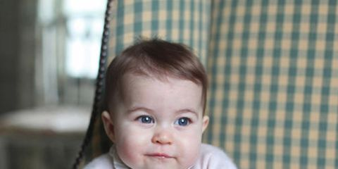 Nose, Cheek, Mouth, Sitting, Textile, Child, Comfort, Baby & toddler clothing, Pattern, Plaid,